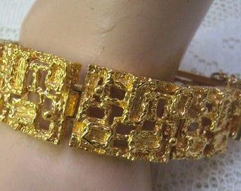Summer Sale...Vintage Gold Nugget Cuff Bracelet...Safety Chain...Hinged Gold Brutalist Bracelet....Statement