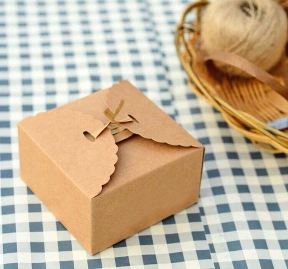 50x Natural Kraft Paper Boxes | Bomboniere Favour Box | Wedding & Party Gift Box for Chocolate Bakery Biscuit Candy 9x9x6
