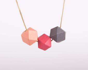 Minimal Necklace Polygon Hexagon  Wooden Pastell Beads Turquoise  Coral Pink