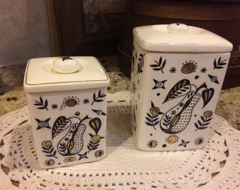 Vintage set of 2 canisters. Pottery. Pears.