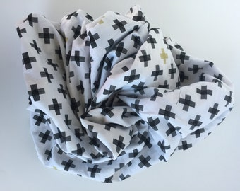 Black White and Gold Plus Crib Sheet