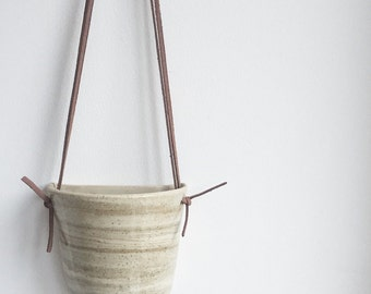 Marbled Flat Hanging Planter.