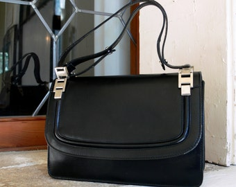 1970s Vintage black leather handbag