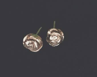P a i n t i n g R o s e s {Solid fine silver post earrings}