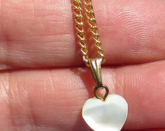 Vintage Mother Of Pearl Heart Shaped Pendant Necklace