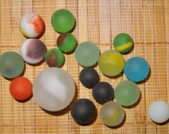 Lot of 18 Beach Glass-Like Vintage Marbles / Frosted Marbles / Glass Marbles / Game Marbles / Toy Marbles / Craft Marbles / Lot #233
