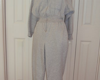 1980s Womens Gray Pink Sweatsuit Jumpsuit/Onesie/Playsuit/Onepiece/Romper/ 80s Workout Clothes/ Pink Gray Sweatpants/Sweatshirt/Size L