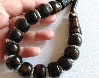 Necklace - large marbled brown plastic beads beaded necklace