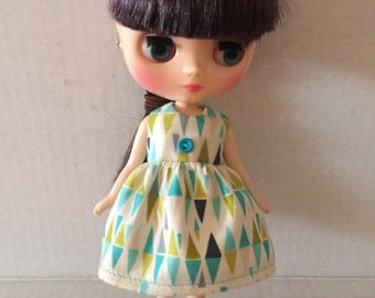 Dress for Middie Blythe triangles