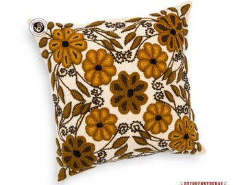 Peru Pillow cover 16x16 - White decorative Cushion cover - Hand-embroidered pillow cover wool floral multicolored flowers - throw pillow