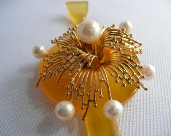 Vintage kanzashi - hair ornament - hair stick - Japanese vintage - hoax pearls and golden fountain - WhatsForPudding #1978