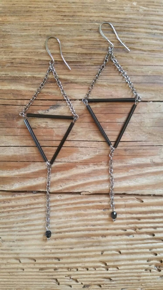 triangle chain dangle gunmetal and black earrings extra long. Black Bedroom Furniture Sets. Home Design Ideas