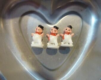 3 Snowman Snowmen Micro Miniature Christmas Plastic Craft Vintage Terrarium Diorama Village Scene (#150)