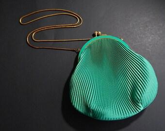 "8"" x 8"" Green Satiny Goldtone Metal Lined Crossbody Purse Pouch Clutch Handbag"