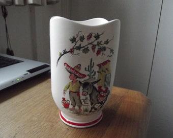 Crown Ducal Ringtons vase 1960s