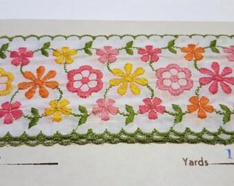 Vintage Floral Trim / Pink Yellow Flowers / Lightweight Floral Trim /