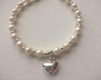 White Pearl Bracelet, Sterling Silver Heart Charm Bracelet, Pearl Jewellery, Silver Jewellery, Jewelry Gift for Her, Bridal Bracelet,