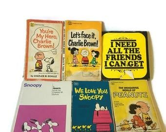 Lot of 6 Vintage Snoopy Peanuts Comic Book, We love you Snoopy, You're My Hero Charlie Brown... Vintage Carlie Brown Comic Books