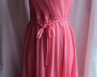 Retro flamingo pink sheer synthetic dress size 12