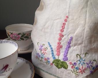 Vintage Linen Tea Cosy, Vintage Table Linen, Vintage Linen, English Linens, Hand Embroidery, Tea Party, Vintage Gift, VTC247