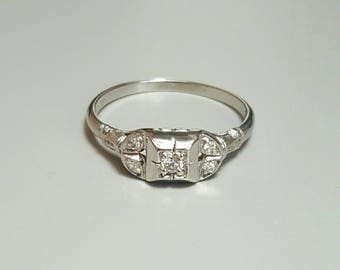 18K White Gold Diamond Ring. Free U.S. Shipping. International Charges May Vary.