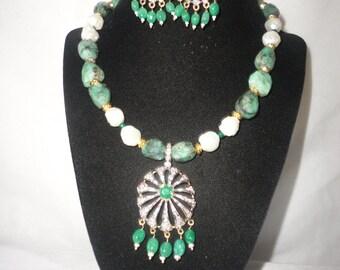A Flawless Irresitible Topaz Emerald Pendant Emerald Necklace Set******.