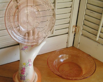 "Vintage Pink Sharon Cabbage Rose Depression Glass 7 3/4"" Flat Rimmed Soup Bowl or Bottom to Butter"