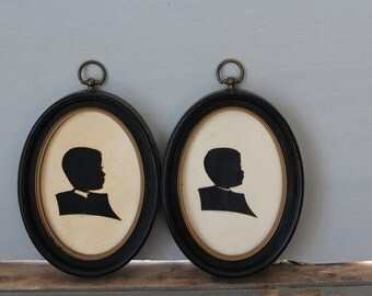Framed Silhouette Prints / Vintage Silhouette Print / Small Oval Framed Vintage Silhouette Print Set of 2 / Silhouette Collage Little Boy