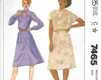 McCall's 7465    Misses Pull-Over Dress     Size 10   Uncut