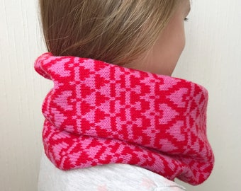 Childrens snood, childs snood, lambswool knitted snoods lambswool cowl, pink snood, pink cowl, knitted cowl