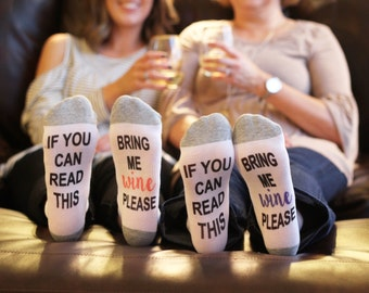 if you can read this sock / birthday for her / bring me wine socks / birthday gift / wine sock / wine socks / beer sock / stocking stuffer