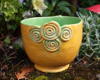 Flower planter ceramic