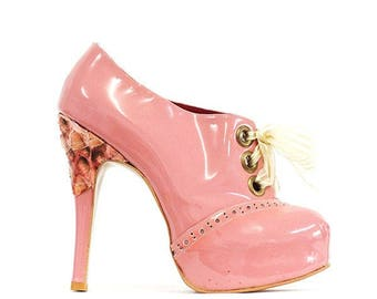 Oxford Shoes - pink patent leather, size UK6