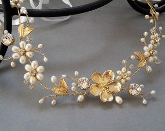 Gold wedding wreath  Gold freshwater pearl bridal hair wreath Freshwater pearl halo Floral vine Freshwater pearl halo Gold wedding halo