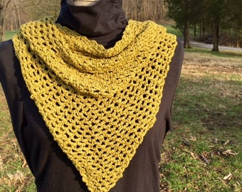 Kerchief/shawlette made of silk and bamboo blend yarn
