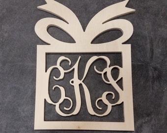 22 inch Present Border Wooden vine Monogram