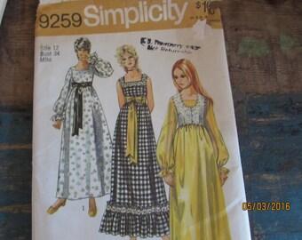 Vintage 1971 simplicity 9259 Boho long maxie dress retro dress mod dress