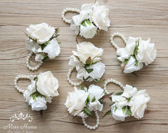Ivory Rose Corsage, White hydrangea corsage, Bridesmaid wrist corsage, Pearl wrist corsage, White corsage, White flower corsage, Bridesmaid