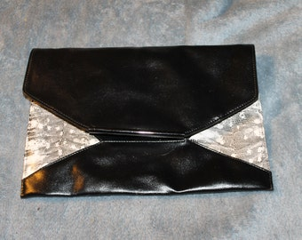 Vintage Rectangle Purse or Handbag, Can be Turned Into a Clutch The Strap Comes Off as Shown in the Pictures It is in Great Vintage Shape