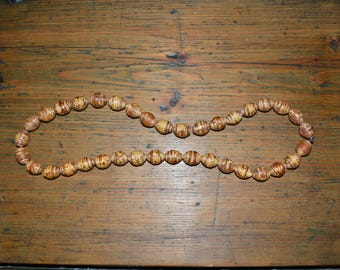 Birch bark beads. Vintage bush crafted jewel. Hand made in Finland.