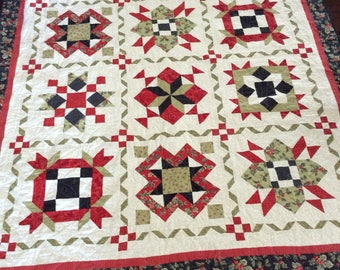 """Handmade Christmas Holiday Wishes Quilt (71"""" x 58"""") with green/red plaid backing"""