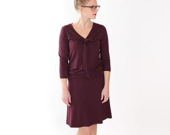 """Dress """"Lore"""" with decorative bow / / BlackBerry"""