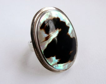 Statement Ring - Mother of Pearl Ring - Vintage - Sterling Silver - Large Ring
