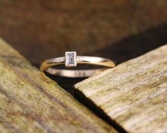 Dainty 14k Gold Diamond Ring