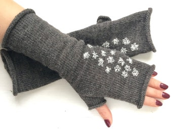 Knitted embroidered fingerless gloves, Fingerless knitted gloves mittens, Kintted arm Warmers, CHRISTMAS Gift for her, Gray