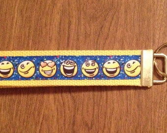 Emoji Smile Face Wristlet Key Chain   Zipper Pull