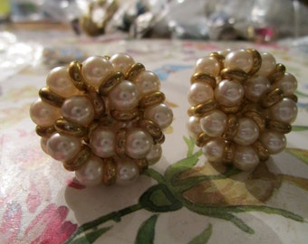 """vintage goldtone large clip on earrings with faux pearls good condition 1.25""""across"""