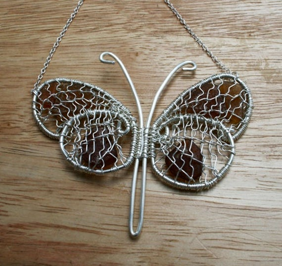 AMBER BUTTERFLY SEAGLASS - Necklace