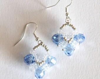 "Earrings ""V"" in glass pearls Snow queen"