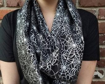 Spider-web scarf